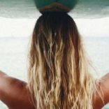 Ways to protect hair while surfing